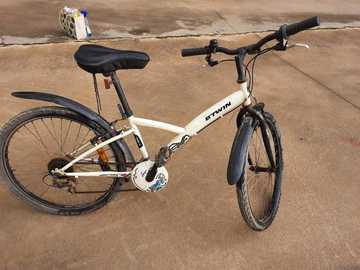For Sale: B twin 6 gear cycle  for 7 to 12 years age kids