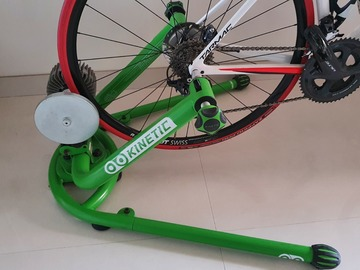 For Sale: Kinetic rock and roll smart indoor trainer