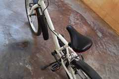 """For Sale: BTWIN 20"""" misty girl model, gently used, excellent condition"""