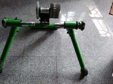 For Sale: Kinetic Road Machine Smart Fluid Trainer for sale
