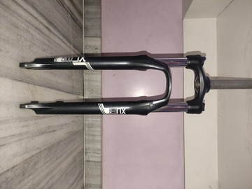 For Sale: Sr Suntour XCM 29er Hlo fork