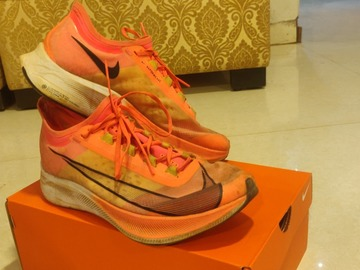 For Sale: Nike fly zoom 3