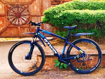 For Sale: btwin 520 medium size upgraded front hydraulic disc brake