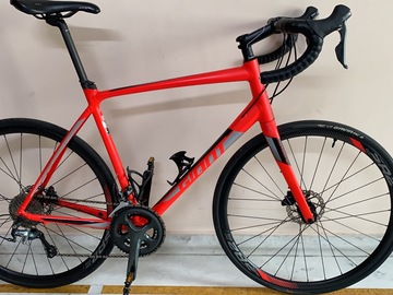 For Sale: Giant Contend SL 2 Disc Road Bike(Hydraulic Disc Brakes)