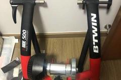 For Sale: Btwin inride 500 fluid trainer with front wheel riser block
