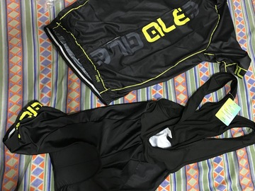 For Sale: Unused new xl cycling apparels combo 9d gel pad