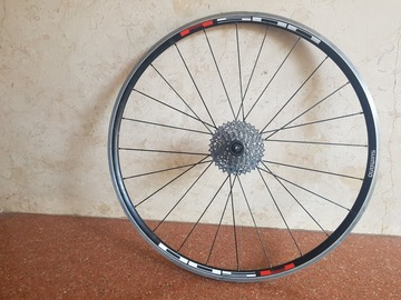 For Sale: Shimano R500 10 speed Wheel (sparingly used) 700C