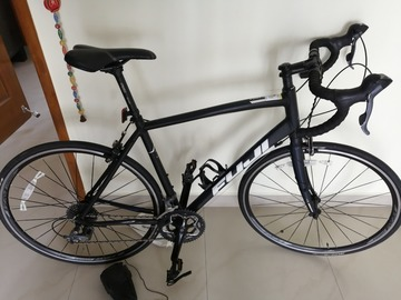 For Sale: Fuji sportif 2.3 road bike like brand new hardly rode 300km