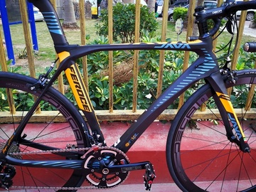 For Sale: JAVA Carbon Road Bike with Shimano 105