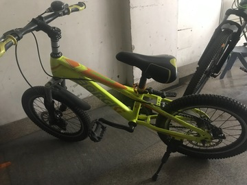 For Sale: Cycle for age 6-10 year , almost like. New