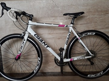 For Sale: Giant Road Bike SCR1 for Sale