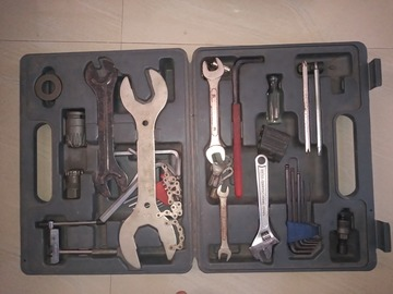 For Sale: On the road Race grade repair tool kit