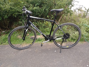 For Sale: Specialized Sirrus hybrid bike