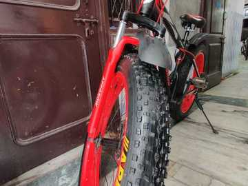 "For Sale: fat tyre cycle 26""*4"" its in brand new condition."