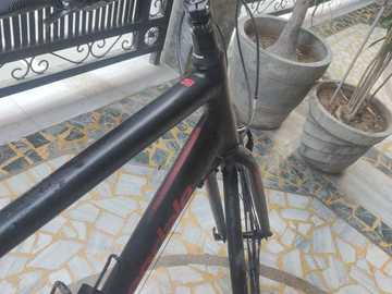 For Sale: cannondale quick 8